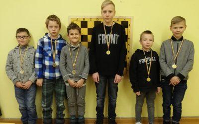 Mokyklos komanda – šachmatų pirmenybių antros vietos laimėtojai
