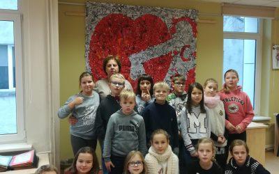 """4 """"Varpelių"""" klasės mokiniai –  Palangos miesto vaikų bibliotekoje"""